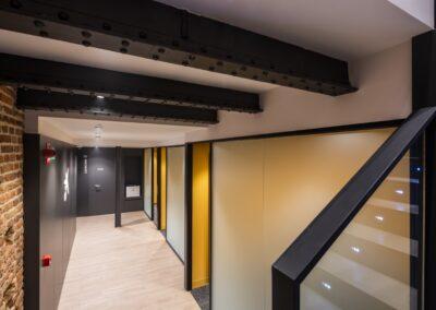 Reforma oficina bancaria para Store en Paseo del Prado para Caixabank